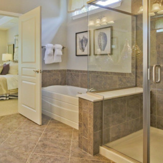 Tiled Master Bath with Bench Seat