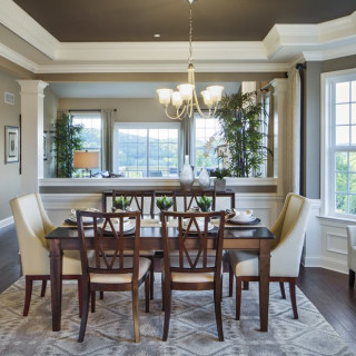 BAY WINDOW - Dining Rm