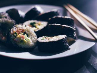řasy sushi
