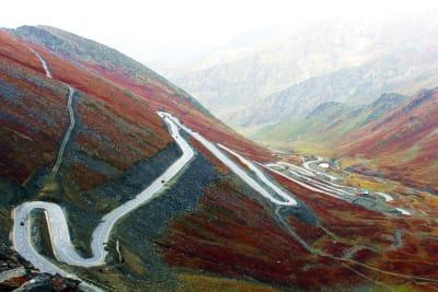 hory kopce klikatá silnice