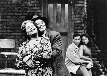 (Front, L–R) Juanita Jennings and Charles Brown, (Back, L–R) Harry Lennix and Moné Walton in August Wilson's 'King Hedley II.'