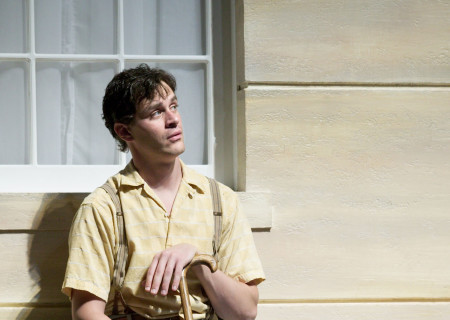 Tom Everett Scott is Gimpty in Sidney Kingsley's 'Dead End.'