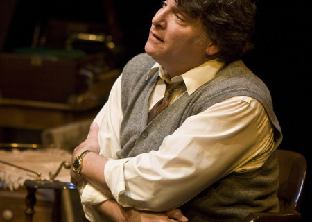 "Marco Barricelli in the American Conservatory Theater production of ""Vigil"" at the Mark Taper Forum, opening November 6 and continuing through December 18, 2011. ""Vigil"" is written and directed by Morris Panych."