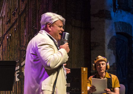 "(L–R) Larry Joe Campbell and Dan Castellaneta in The Second City's ""A Christmas Carol: Twist Your Dickens!"" at the Douglas."