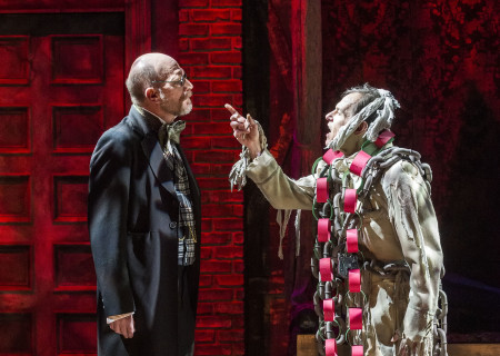 """(L–R) Ron West and Joe Liss in The Second City's """"A Christmas Carol: Twist Your Dickens!"""" at the Kirk Douglas Theatre."""