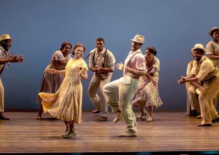 "Sumayya Ali, David Hughey and the cast of ""The Gershwins' Porgy and Bess."""