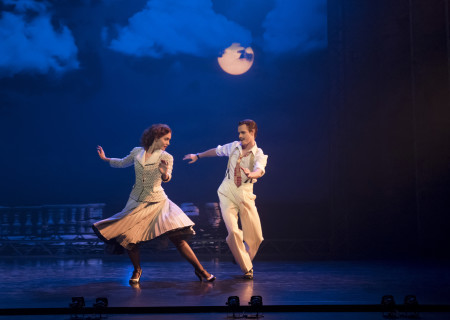"Ashley Shaw and Sam Archer in Matthew Bourne's production of ""The Red Shoes."" ""The Red Shoes"" will be presented by Center Theatre Group and Glorya Kaufman Presents Dance at The Music Center at the Ahmanson Theatre September 15 through October 1, 2017. For season tickets and information, please visit CenterTheatreGroup.org or call (213) 972-4444. Press Contact: CTGMedia@CTGLA.org / (213) 972-7376. Photo by Johan Persson."