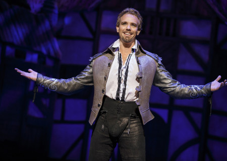 "Adam Pascal in ""Something Rotten!"" which plays at the Ahmanson Theatre November 21 through December 31, 2017. For tickets and information, please visit CenterTheatreGroup.org or call (213) 972-4400. Press Contact: CTGMedia@CTGLA.org / (213) 972-7376. Photo by Joan Marcus."
