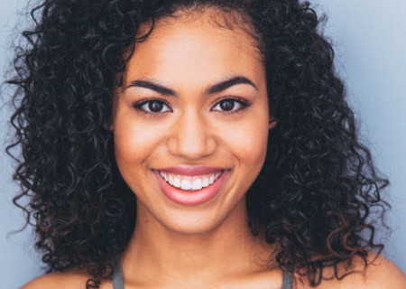 """Ashley De La Rosa will perform in the national tour of """"Dear Evan Hansen"""" at Center Theatre Group/Ahmanson Theatre. With a book by Steven Levenson, a score by Benj Pasek and Justin Paul and direction by Michael Greif, """"Dear Evan Hansen"""" runs October 17 – November 25, 2018. For tickets and information, please visit CenterTheatreGroup.org or call (213) 972-4400. Media Contact: CTGMedia@CTGLA.org / (213) 972-7376."""