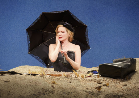 """Dianne Wiest in the Yale Repertory Theatre production of Samuel Beckett's """"Happy Days."""" Directed by James Bundy and starring Wiest, """"Happy Days"""" will be part of Center Theatre Group's 2018-2019 season at the Mark Taper Forum and will run May 15 through June 30, 2019. For season tickets and information, please visit CenterTheatreGroup.org or call (213) 972-4444. Media Contact: CTGMedia@CTGLA.org / (213) 972-7376. Photo by Joan Marcus."""