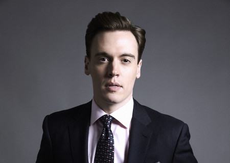 """Erich Bergen will perform in """"A Grand Night"""" Gala at Center Theatre Group/Mark Taper Forum. For dinner tickets, call (213) 972-3192 or email gala@ctgla.org. Performance only tickets are available for purchase on our website at CTGLA.org/AGrandNight. Media Contact: CTGMedia@CTGLA.org / (213) 972-7376. Photo by David Needleman/CBS."""