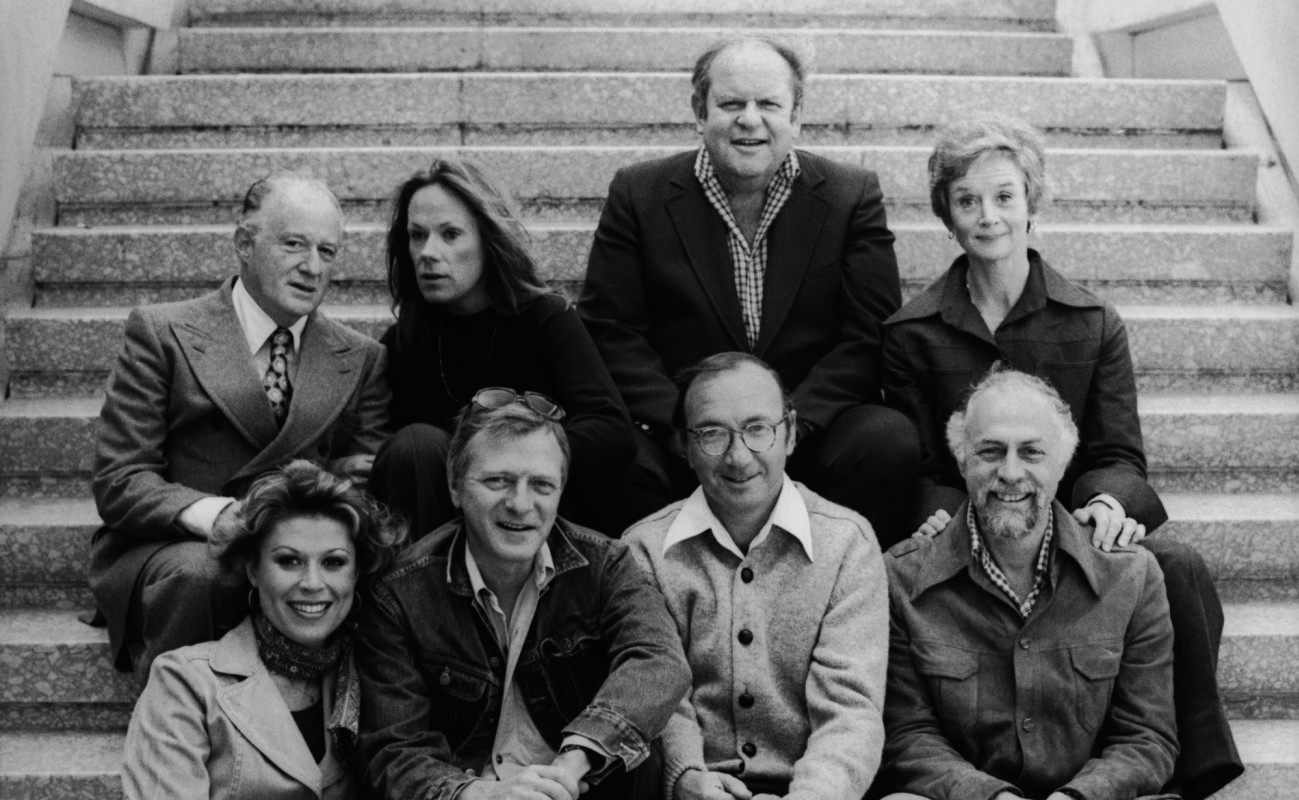The cast of 'California Suite' with Ahmanson Artistic Director Robert Fryer (top left), playwright Neil Simon (bottom center), and director Gene Saks (bottom right).