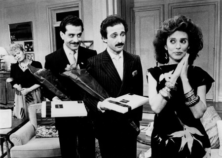 "(L–R) Sally Struthers, Tony Shalhoub, Lewis J. Stadlen, and Rita Moreno in ""The Odd Couple."""