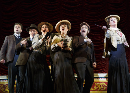 "National Touring Company. The cast with Kevin Massey as Monty Navarro (left) and Megan Loomis as Tour Guide (right) in a scene from ""A Gentleman's Guide to Love & Murder."" Directed by Darko Tresnjak, ""A Gentleman's Guide to Love & Murder"" is part of the Center Theatre Group/Ahmanson Theatre's 2015-2016 season and will be presented March 22 through May 1, 2016. For tickets and information, please visit CenterTheatreGroup.org or call (213) 972-4400.<br />