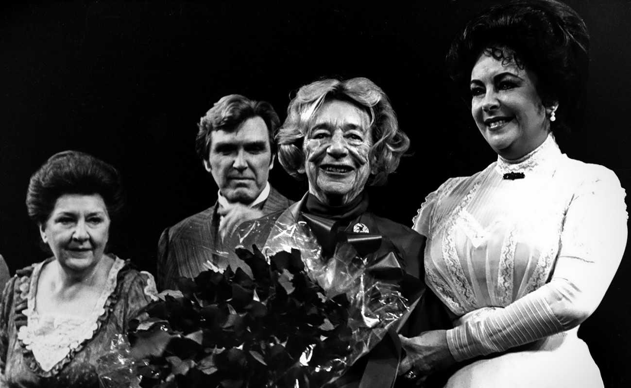 "(L-R) Maureen Stapleton, Nicolas Coster, Lillian Hellman, and Elizabeth Taylor at ""The Little Foxes."""