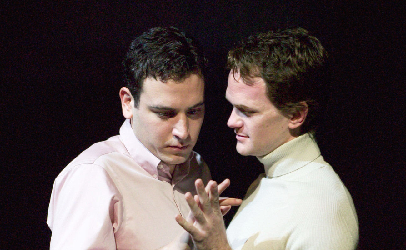 (L–R) Neil Patrick Harris and Josh Radnor in 'The Paris Letter.'