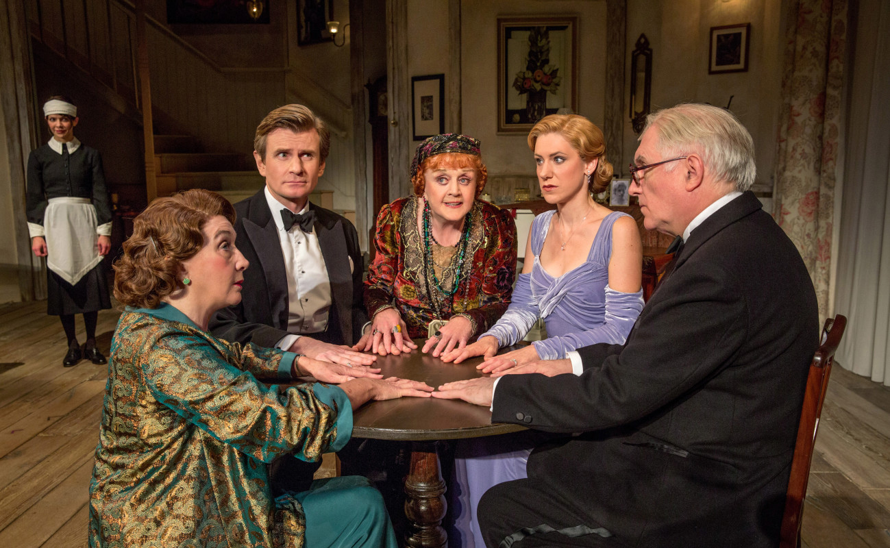 L-R: Susan Louise O'Connor (standing), Sandra Shipley, Charles Edwards, Angela Lansbury, Charlotte Parry and Simon Jones in 'Blithe Spirit.'