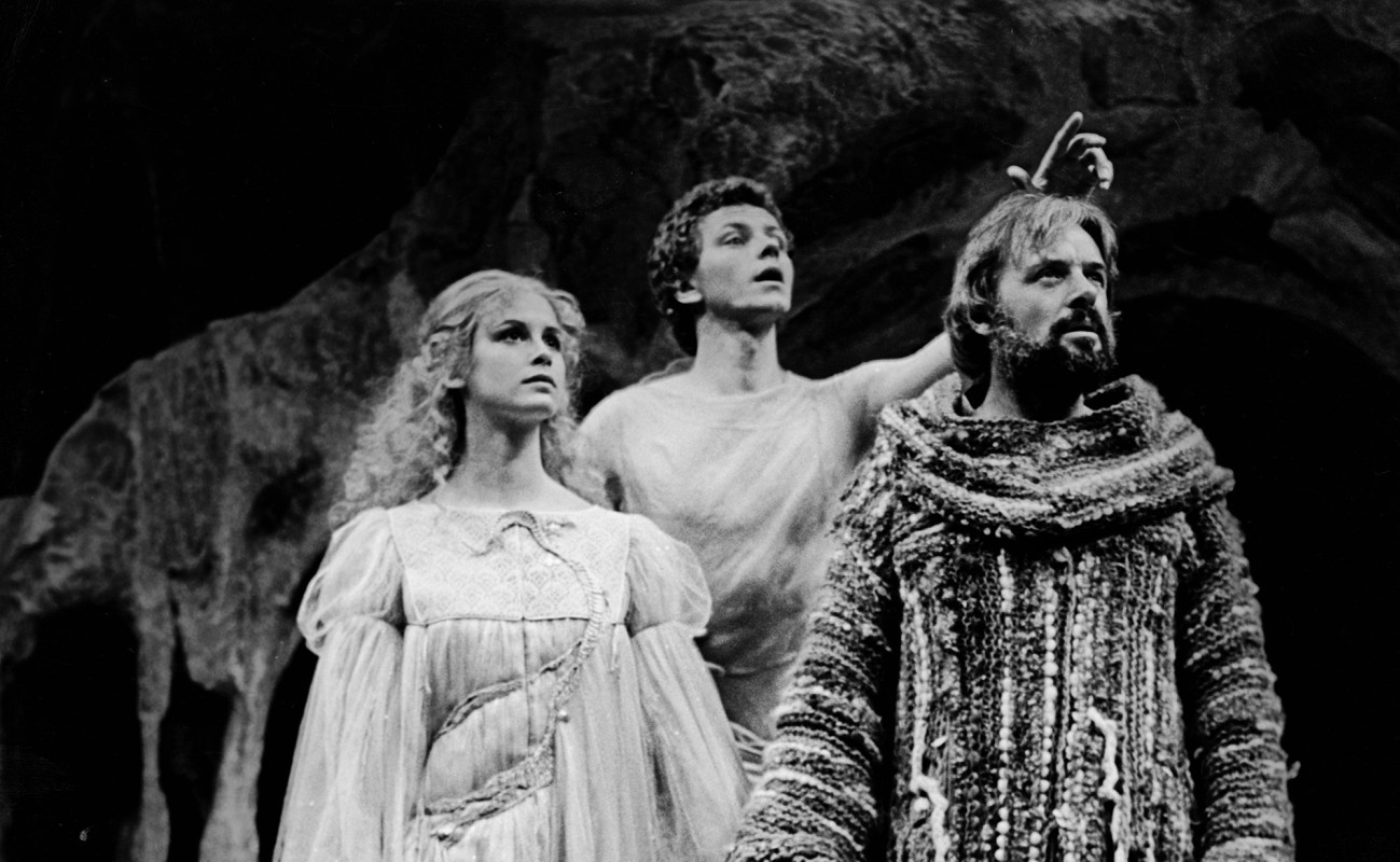 "(L–R) Stephanie Zimbalist, Brent Carver, and Anthony Hopkins in ""The Tempest"""
