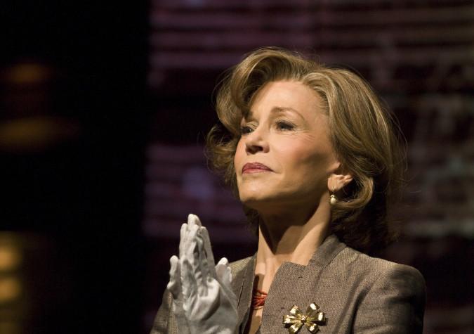 Jane Fonda in 33 Variations