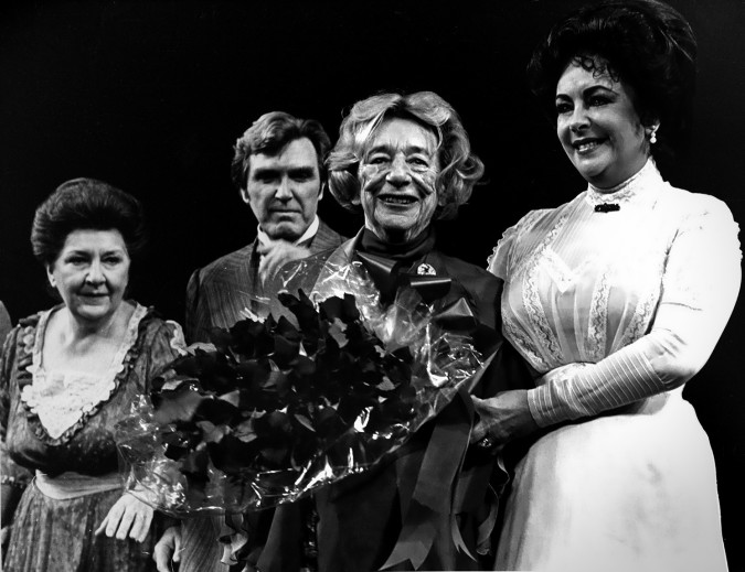Maureen Stapleton, Nicolas Coster, Lillian Hellman, and Elizabeth Taylor at The Little Foxes