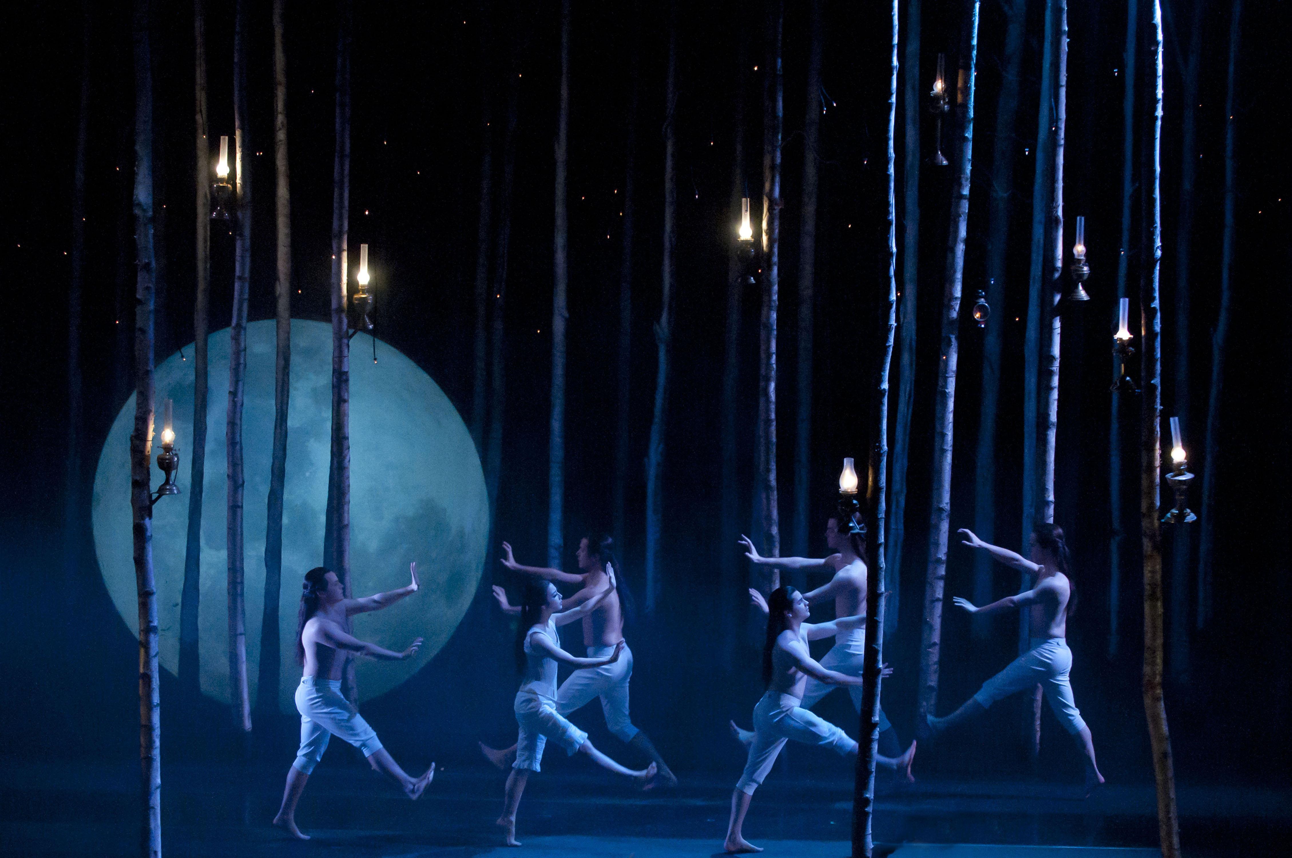 "pany members of Matthew Bourne s ""Sleeping Beauty "" by Mikah Smillie"
