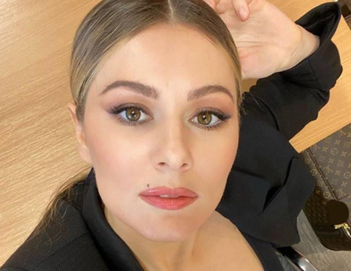 «О-ля-ля, какие формы!»: многодетная Кожевникова блеснула фигурой в салатовом купальнике