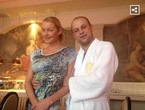 Экс-бойфренд Волочковой заподозрил балерину в сокрытии ребенка, поскольку застал ее в бане с личным водителем