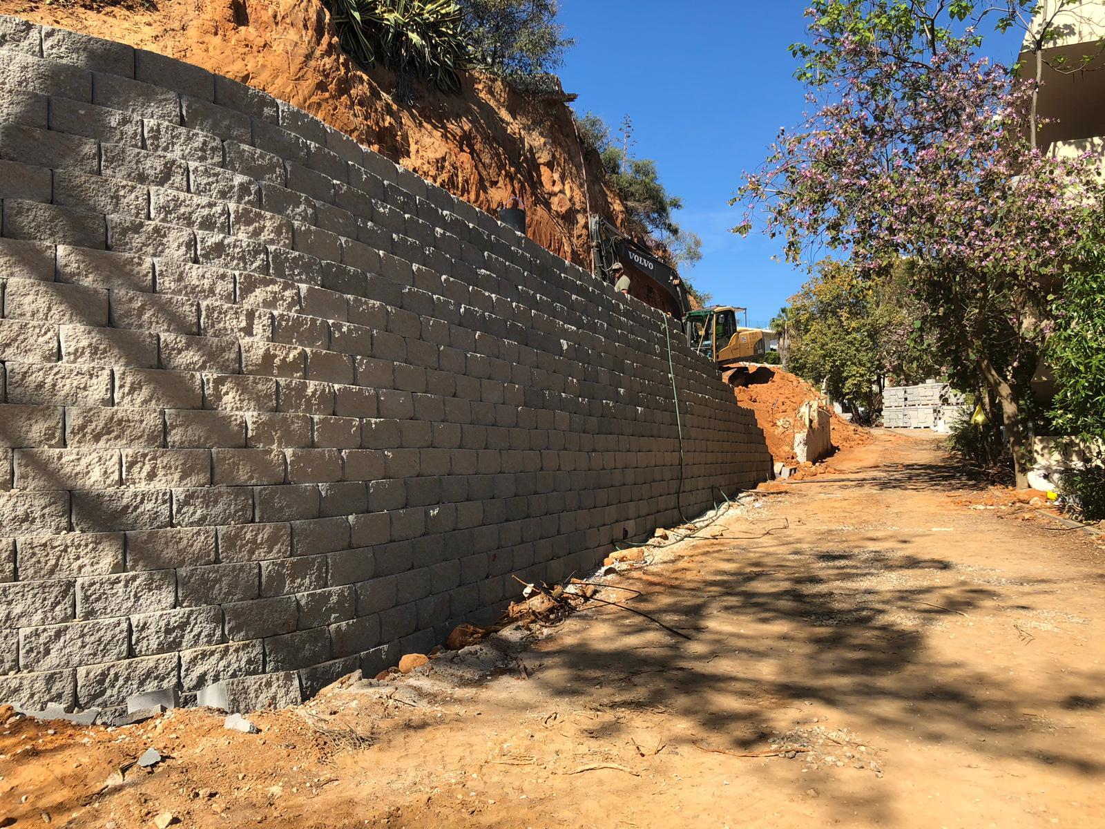 Muro de Contenção Segmentado - 1100m2