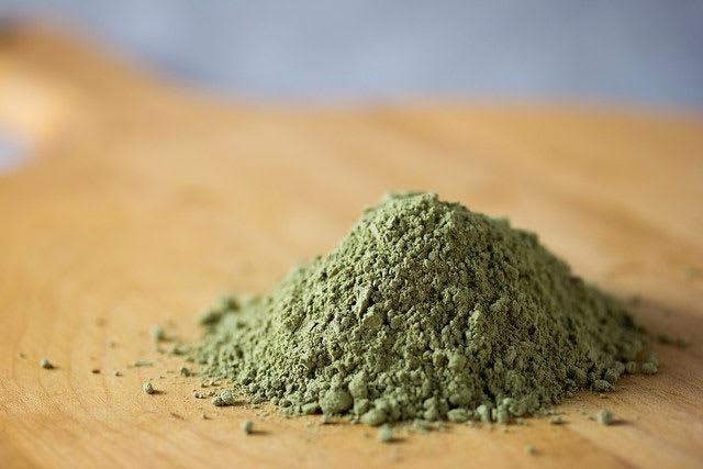 A small pile of Kratom powder
