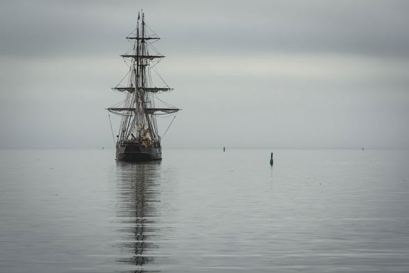 A ship similar to the large sailing vessels used by the Dutch East Indies Service