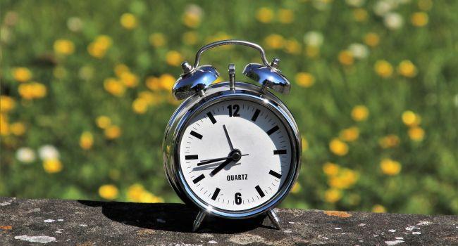 Сьогодні переходимо на літній час: медики дали поради, як швидко адаптуватися