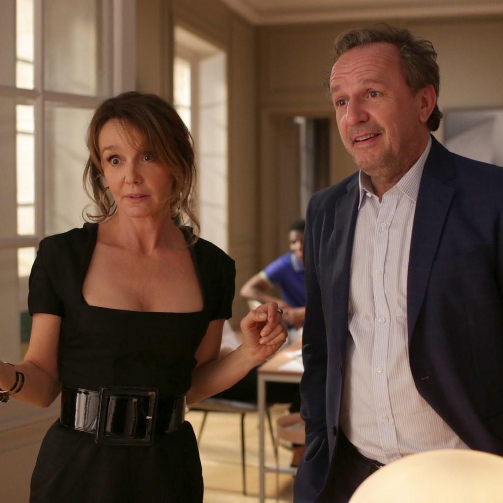 Netflix「エミリー、パリへ行く」のシルヴィーは、大人世代の新おしゃれアイコン!