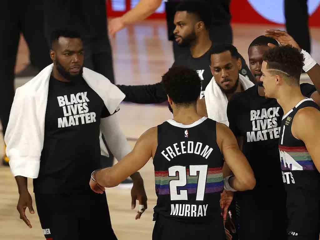 Liga apoia Black Lives Matter e lança Fundação NBA