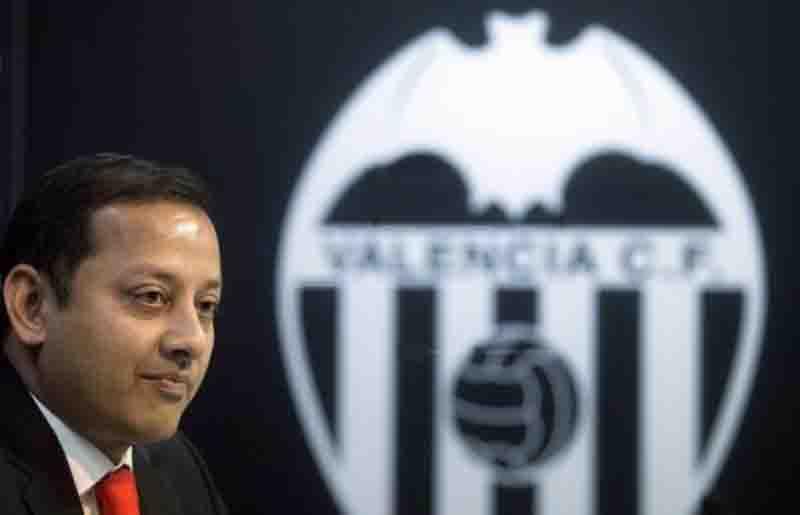 Valencia mira exterior por meio de atletas e LaLiga