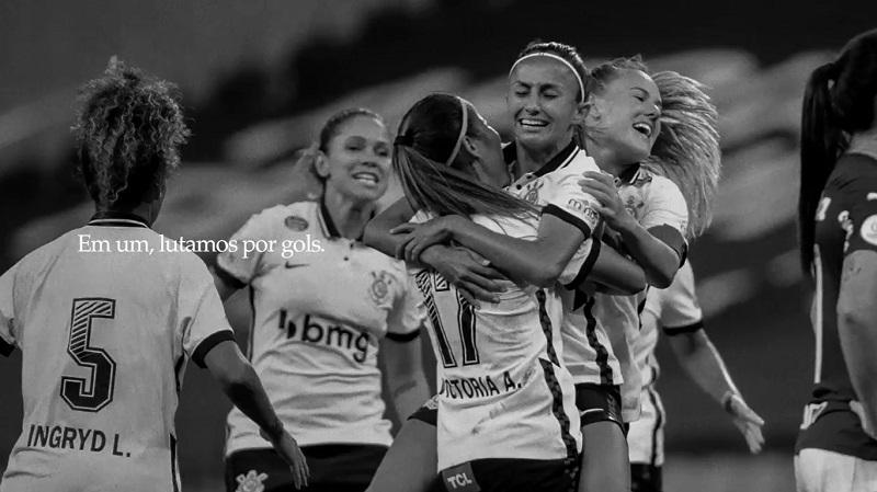 Corinthians e Paulistão reforçam futebol feminino engajado