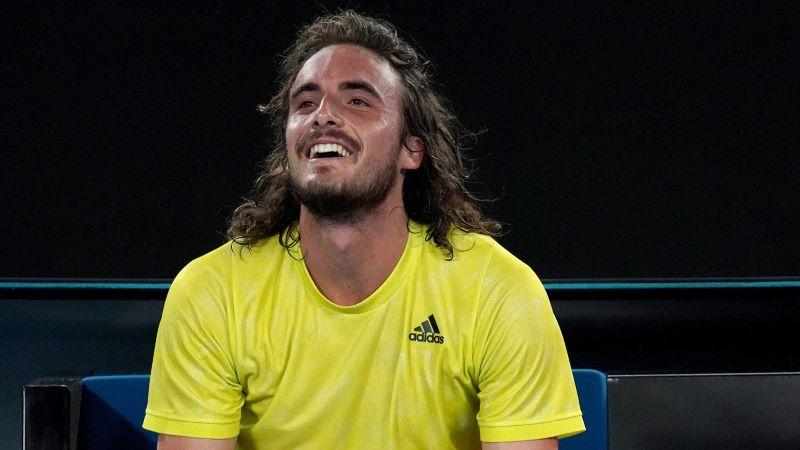 Tsitsipas repete Guga ao dar ar jovial ao mundo do tênis (Foto: Reprodução/Twitter)