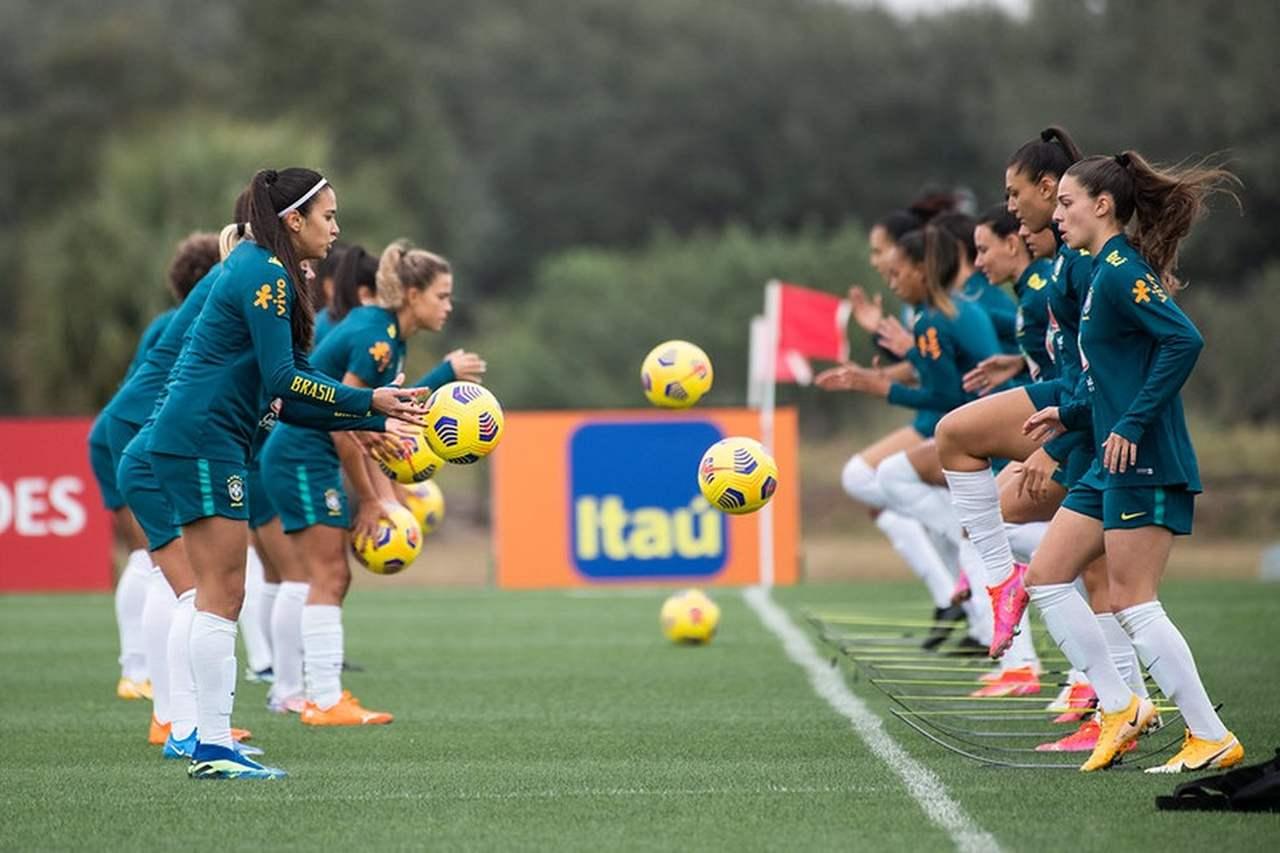 Jogadoras do Brasil treinam na preparação para a Copa SheBelieves, que terá transmissão das partidas brasileiras no Sportv