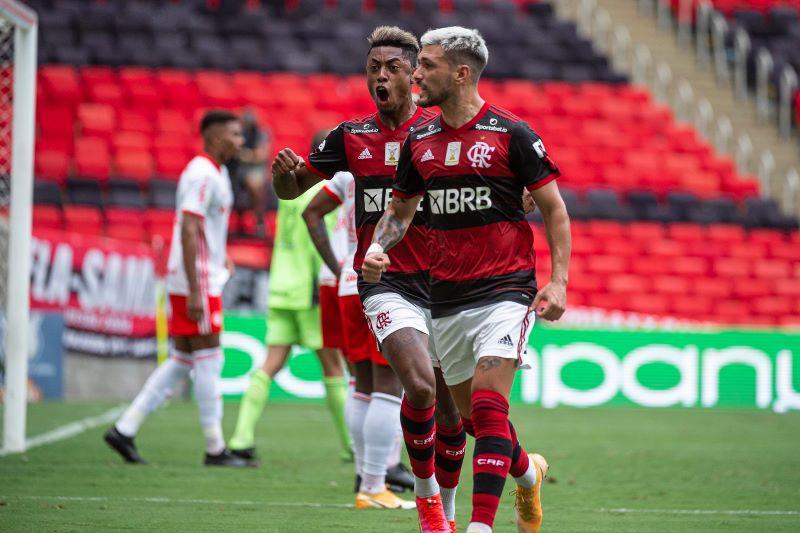 Com vitória, Flamengo ficou perto do bicampeonato (Foto: Alexandre Vidal / CRF)