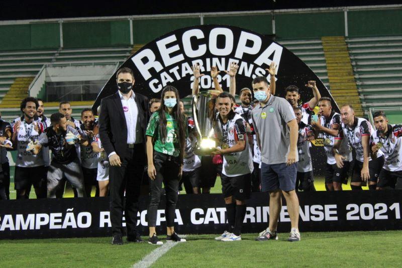 TV WA arcou apenas os direitos da Recopa de Santa Catarina (Foto: Fernando Ribeiro/FCF)