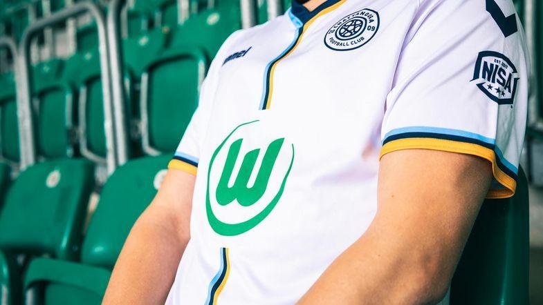 Camisa do Chattanooga FC com o aporte máster do Wolfsburg (Foto: Divulgação)