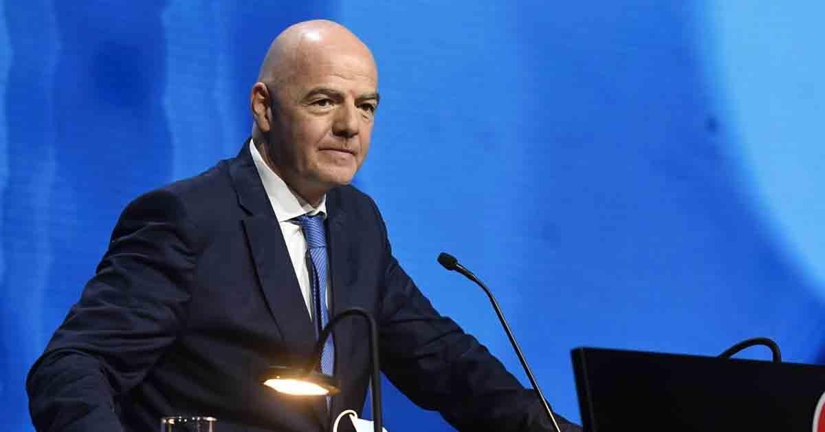 """Presidente da Fifa critica Superliga: """"Vão lidar com as consequências"""""""