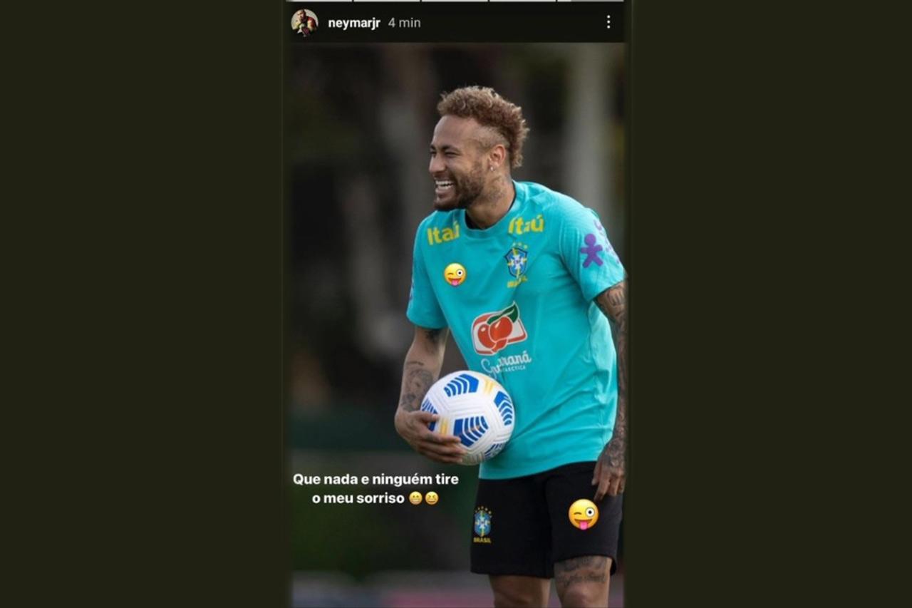 Neymar parte para o ataque contra Nike