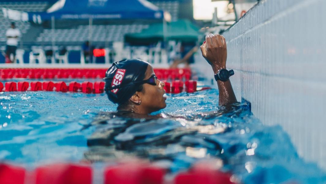 Campeã mundial de natação, Etiene Medeiros é nova embaixadora da Polar