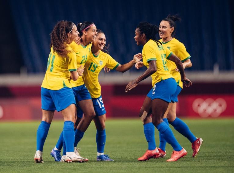 Combo de futebol e vôlei feminino decola audiência da Globo
