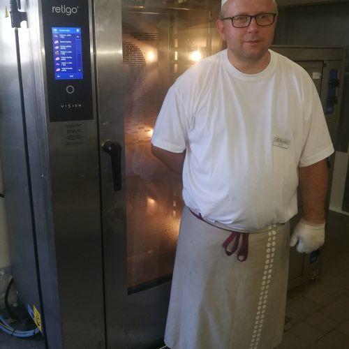 Šéfkuchař Karel Smrt u konvektomatu