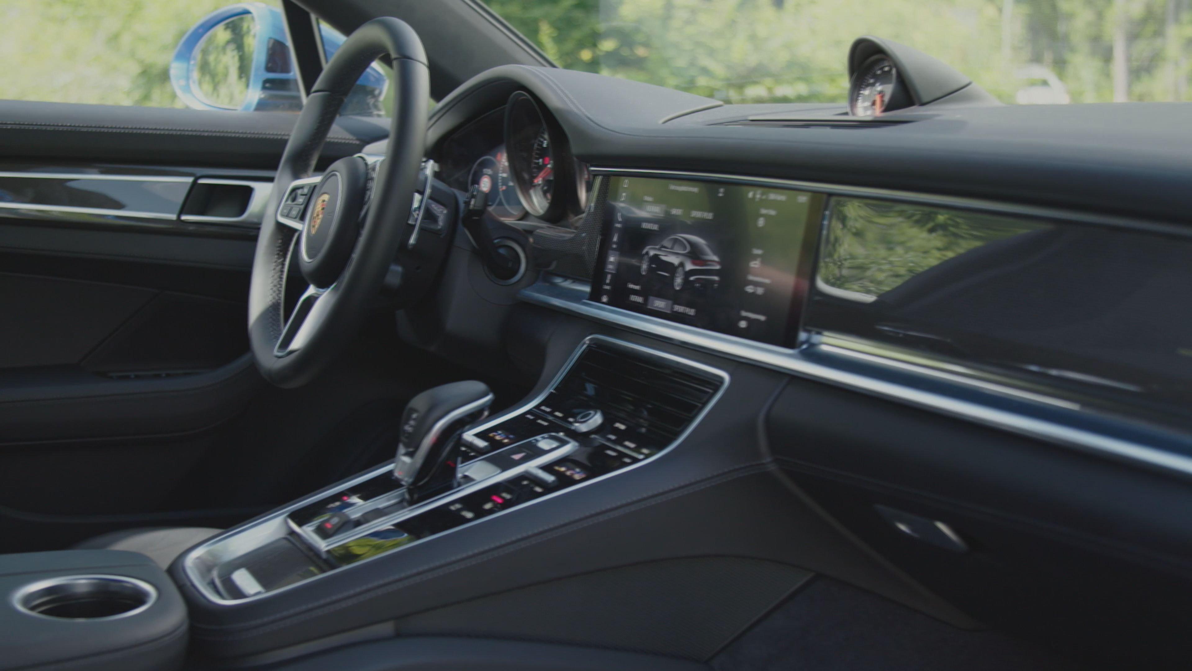 2017 Porsche Panamera Turbo Interior