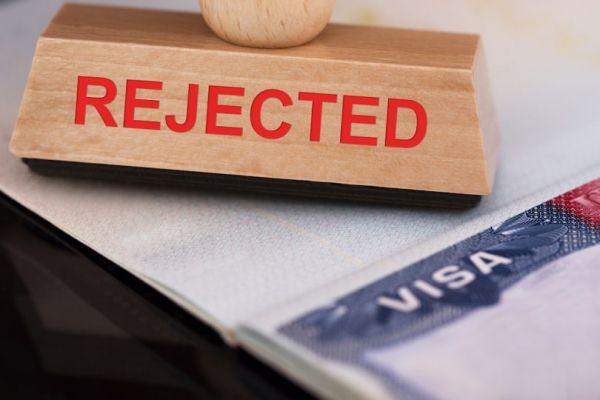 Окажем помощь в заполнении, оформлении и получении визы в США