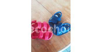 Sandale zara taille 21 et lacoste taille 21