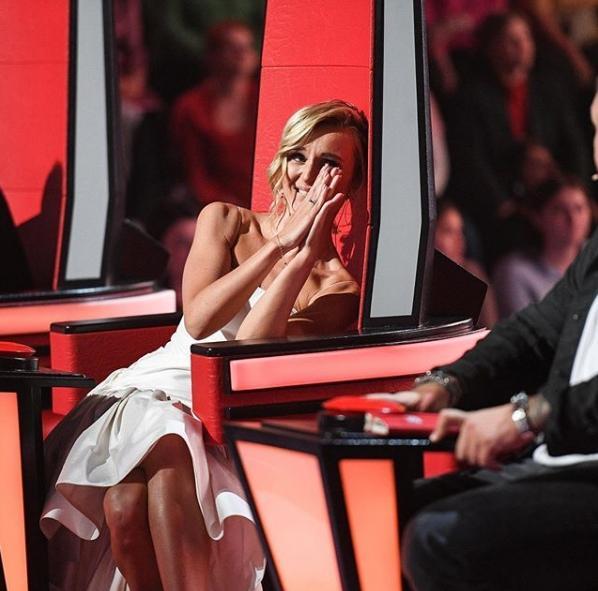 «Это несправедливо»: Участница шоу «Голос.Дети» Ангелина Дерябина публично закатила Полине Гагариной истерику