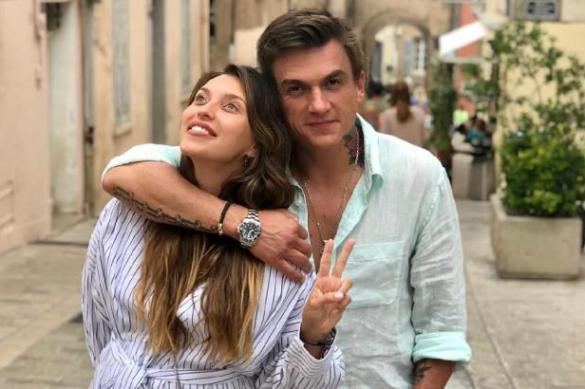 Влад Топалов поздравил жену с 30-летием